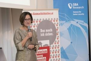 Johanna Mikl-Leitner, Bundesministerin für Inneres, bei StartSecure 2015 © Harald Richter